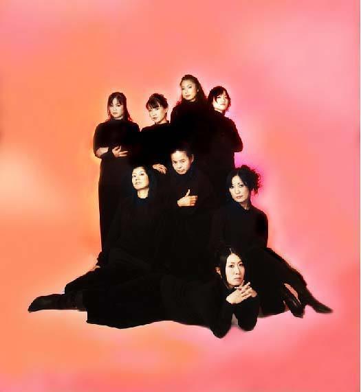 八人の女たち