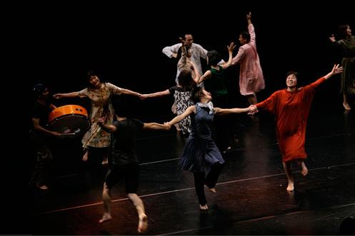 とりっとダンスとつくるダンスアート作品『とりっとダンス』