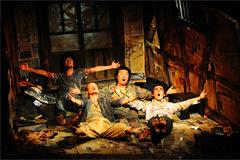「Floor in Attic 屋根裏の床を掻き毟る男たち」ご来場ありがとうございました!