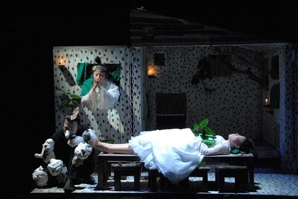 鳥の劇場 『白雪姫』