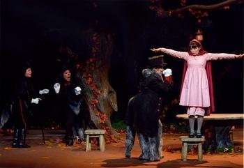 赤ずきんちゃんの森の狼たちのクリスマス