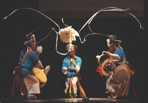 南山ノリマダン 民族打楽器パフォーマンス