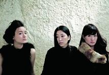 Momo,Momoko,Moe et……the silence between dreams