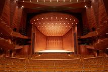 サントミューゼ・大ホール