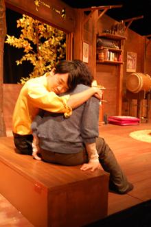「忘れ人」舞台写真 慶太・梶浦