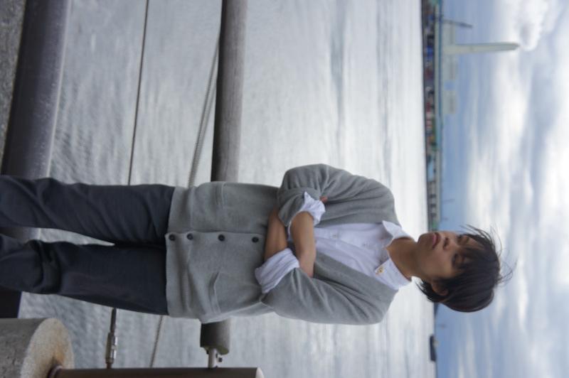 海で待つ男