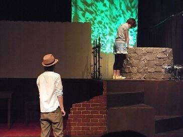 2010「回遊の森、咎人の井戸」舞台写真3