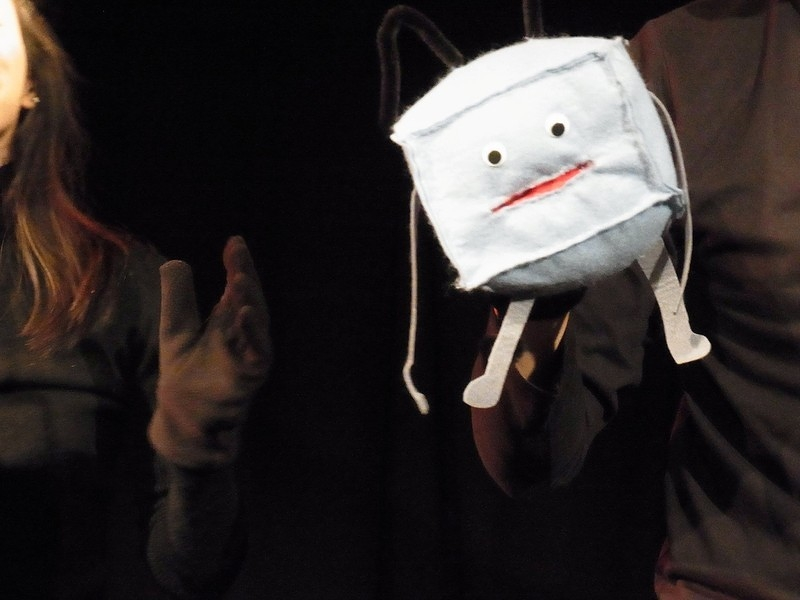 『 鼻の穴 』より舞台写真