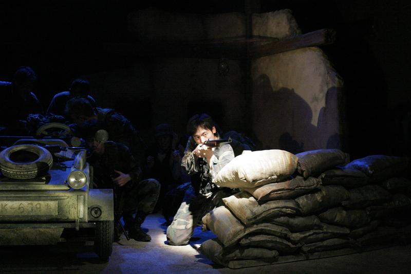過去舞台写真「傭兵ども!砂漠を走れ!-サバンナ&オアシス-」⑤