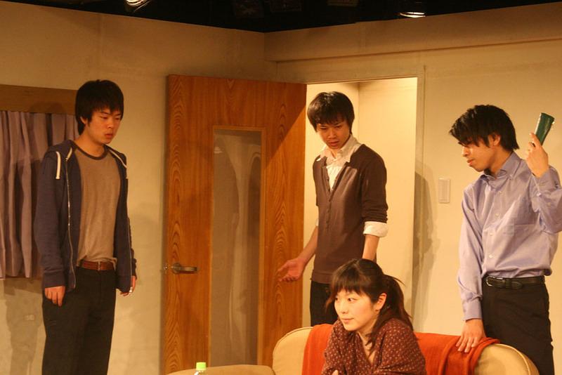「シロツメの咲く後に」 舞台写真02