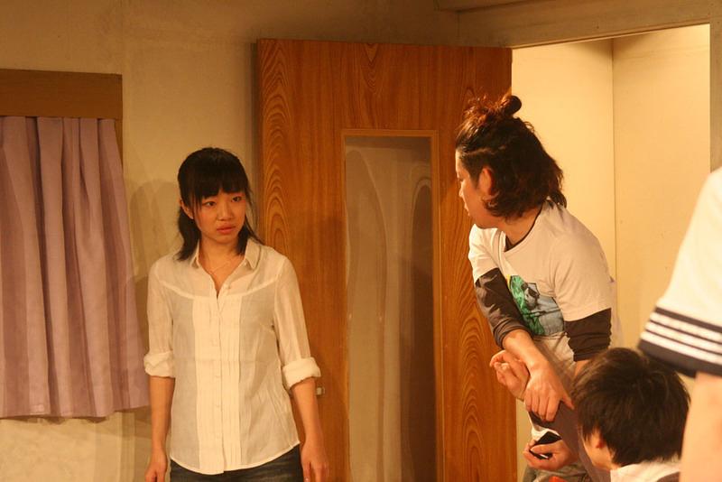 「シロツメの咲く後に」 舞台写真01