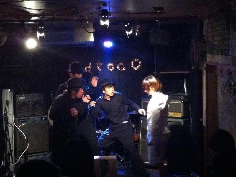 圧倒的ブラック 舞台写真二