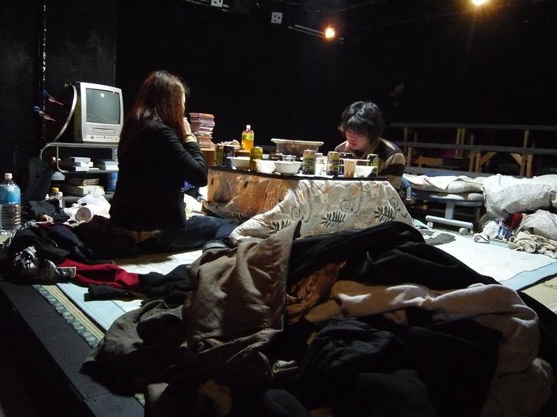 第八回公演『最初の朝、最後の夕べ』のワンシーン