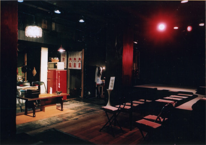 過去公演「軽々しく泣け」舞台写真