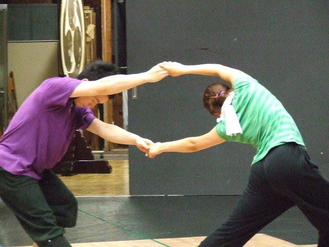 男女―コンテンポラリー・ダンス―