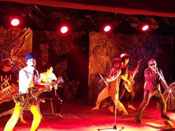 「モモガバイト」舞台写真