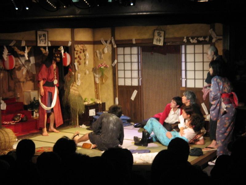 「神社の奥のモンチャン」舞台写真