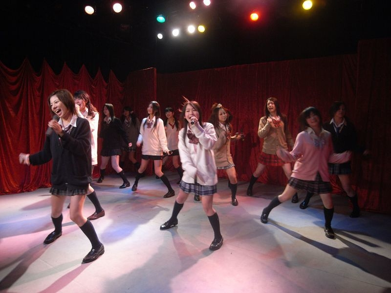 Vol.04 アイドルが歌って踊る01