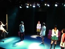 「見えそうで見えない」公演写真3
