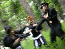 森の中の格闘