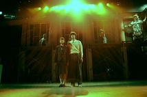 デコラヴ。舞台写真01