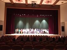 観客席舞台写真