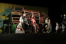 絹が鳴る舞台写真