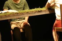 緑のテーブル