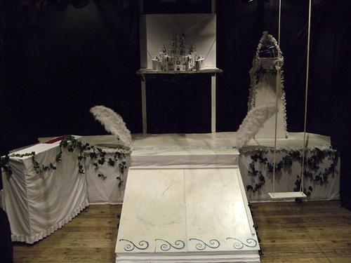 『トロイメライ~翼の枷~』舞台装置